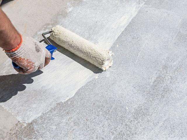 gruntowanie powierzchni balkonu
